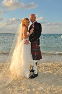Married in a Kilt on the beach. Logan and Liege Kensing