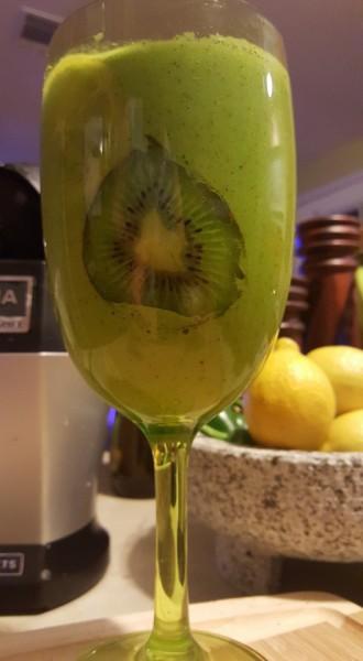 kiwi smoothie a